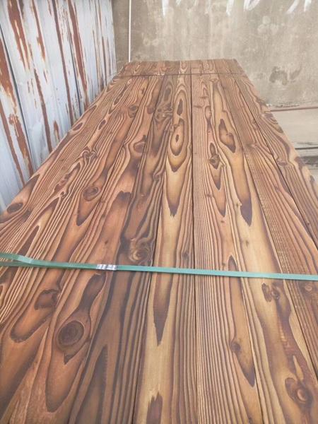 樟子松碳化木板材